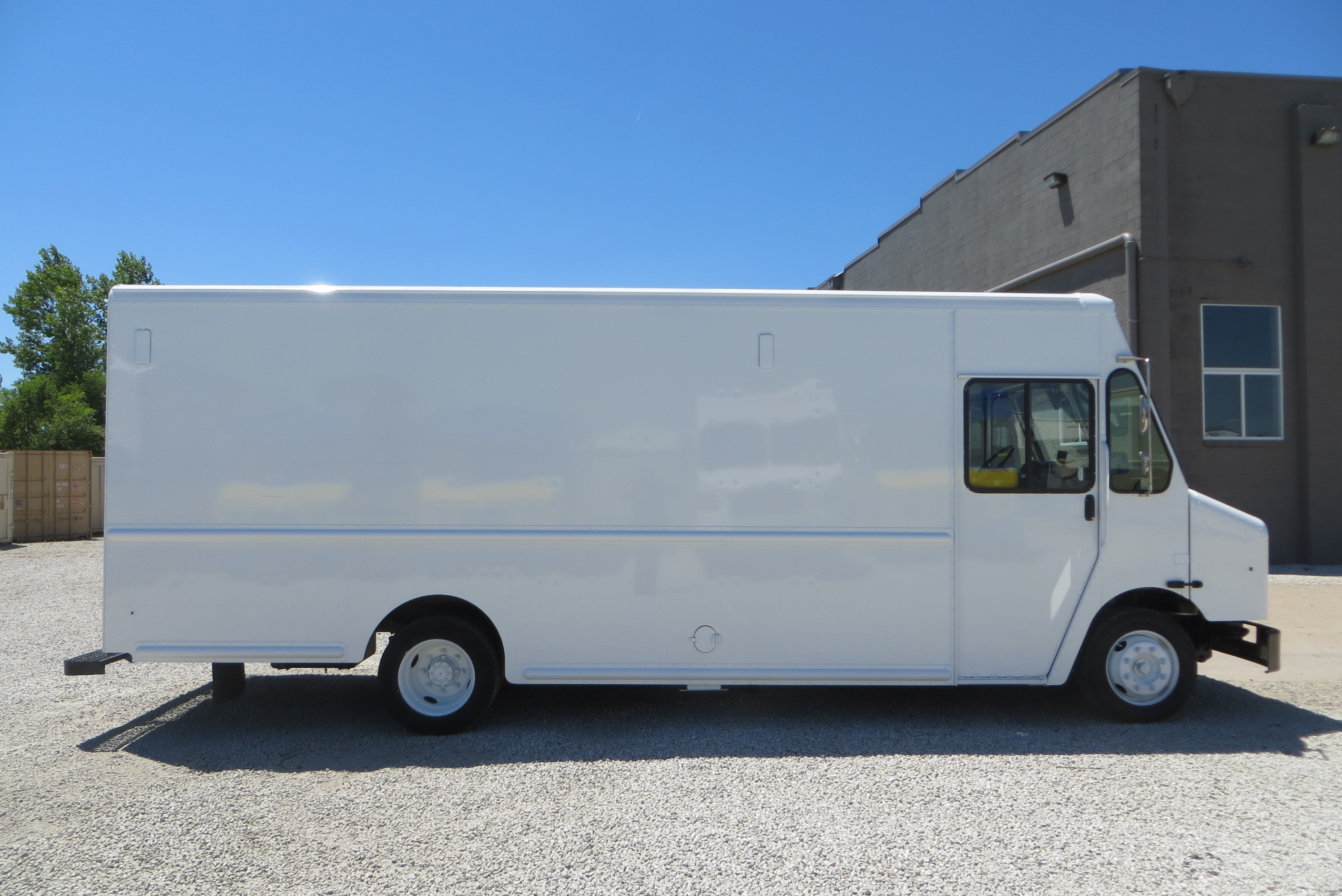 large image of 2011 Freightliner Step Van-P1000 – MAGY7941