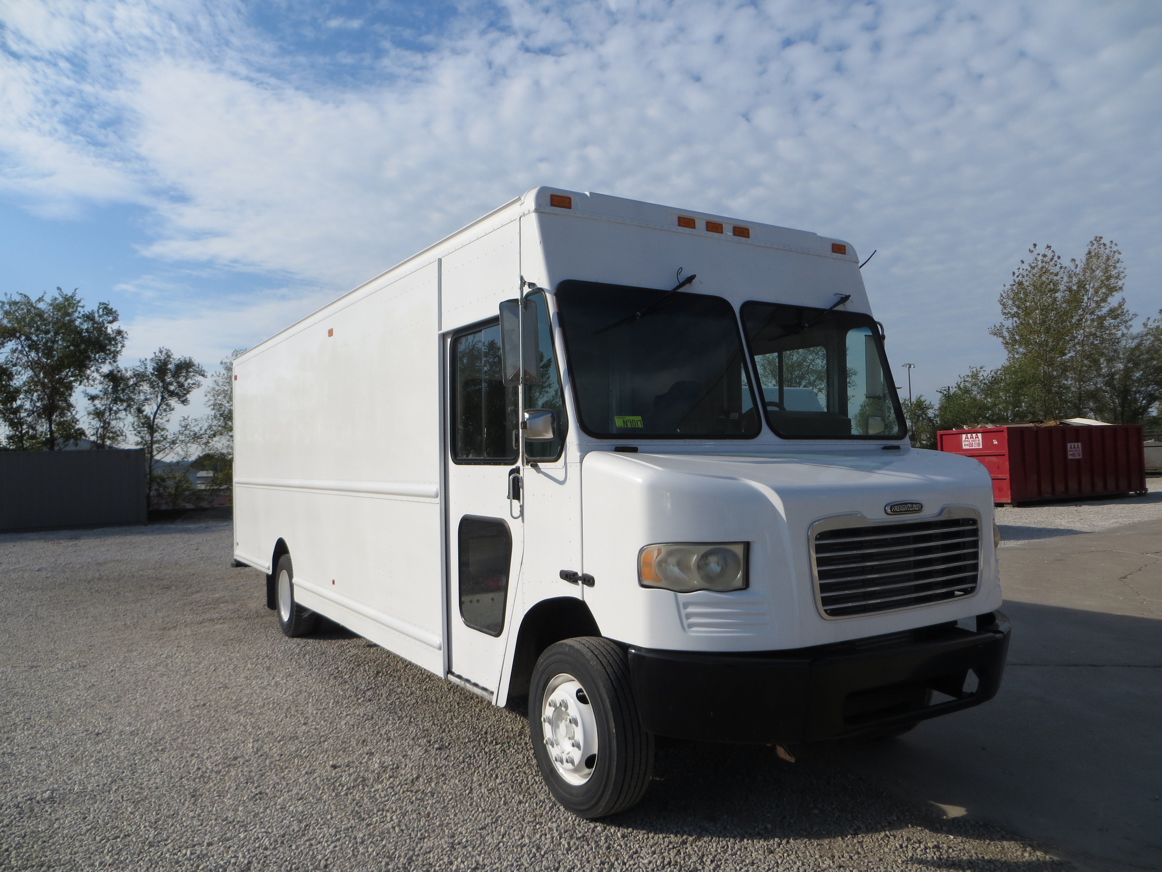 large image of 2010 Freightliner Step Van-P1200 – MAGN9017