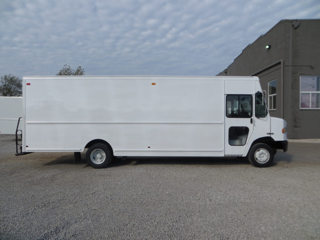 2011 Freightliner 22 Ft Step Van P1200 Mag Trucks