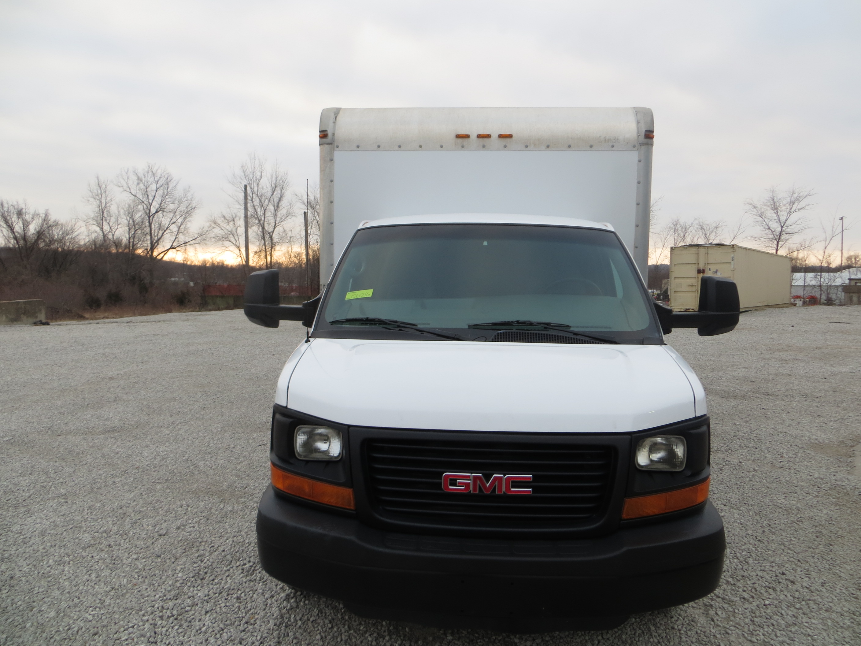 large image of 2012 GMC 16 Ft. Box Truck