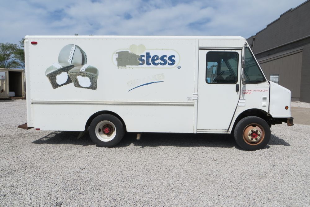 large image of 1998 Freightliner Step Van – P500