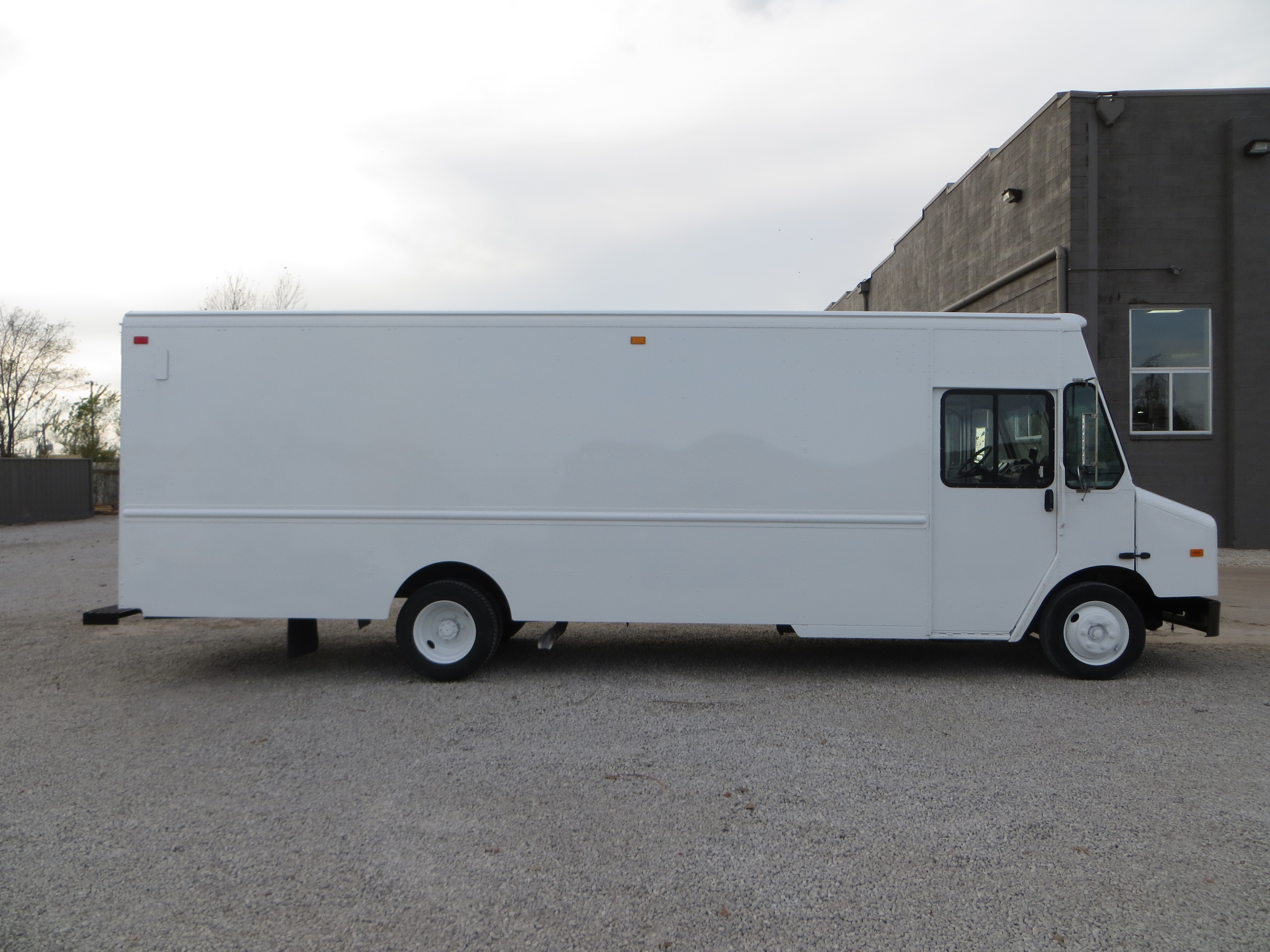 large image of 2008 Freightliner Step Van-P1200-MAG04014