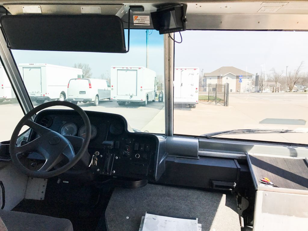 large image of 2008 Freightliner 22-ft Step Van – P1200