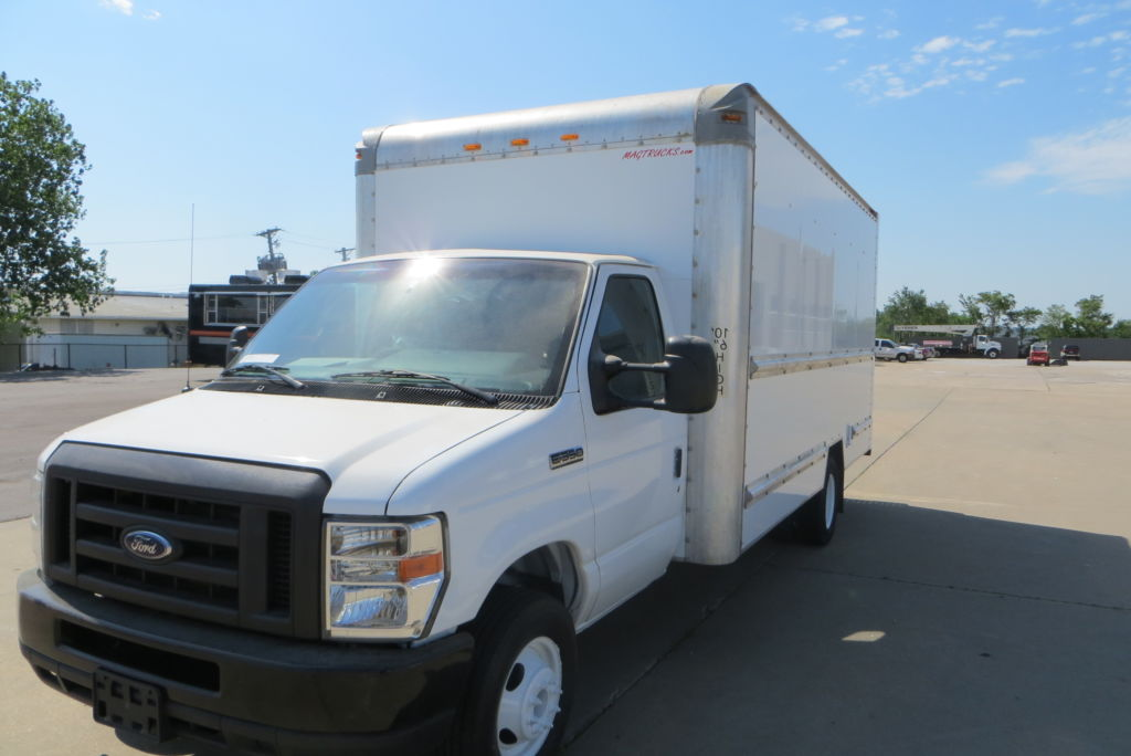 large image of 2012 Ford 16-ft Box Truck E350