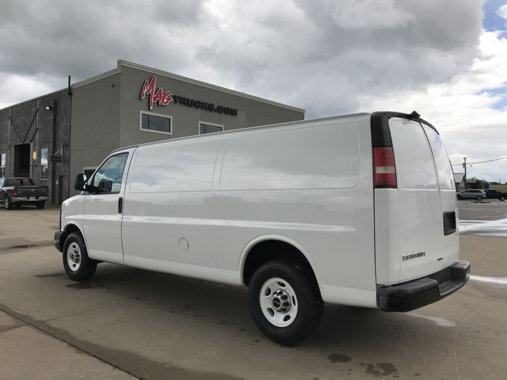 large image of GMC 2012 Cargo Van Savana $10,950