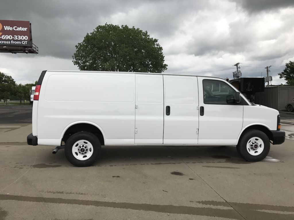 large image of 8-ft GMC 2012 Cargo Van Savana 2500 EXT