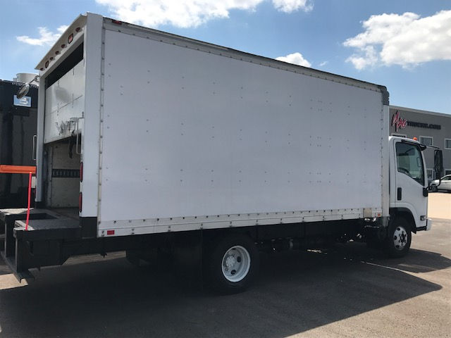 large image of 16-ft Isuzu 2009 Box Truck NPR HD