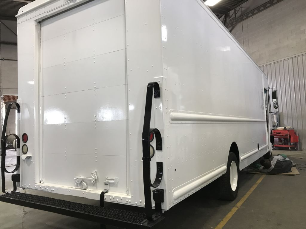 large image of 22-ft Ford 2018 Step Van P1200