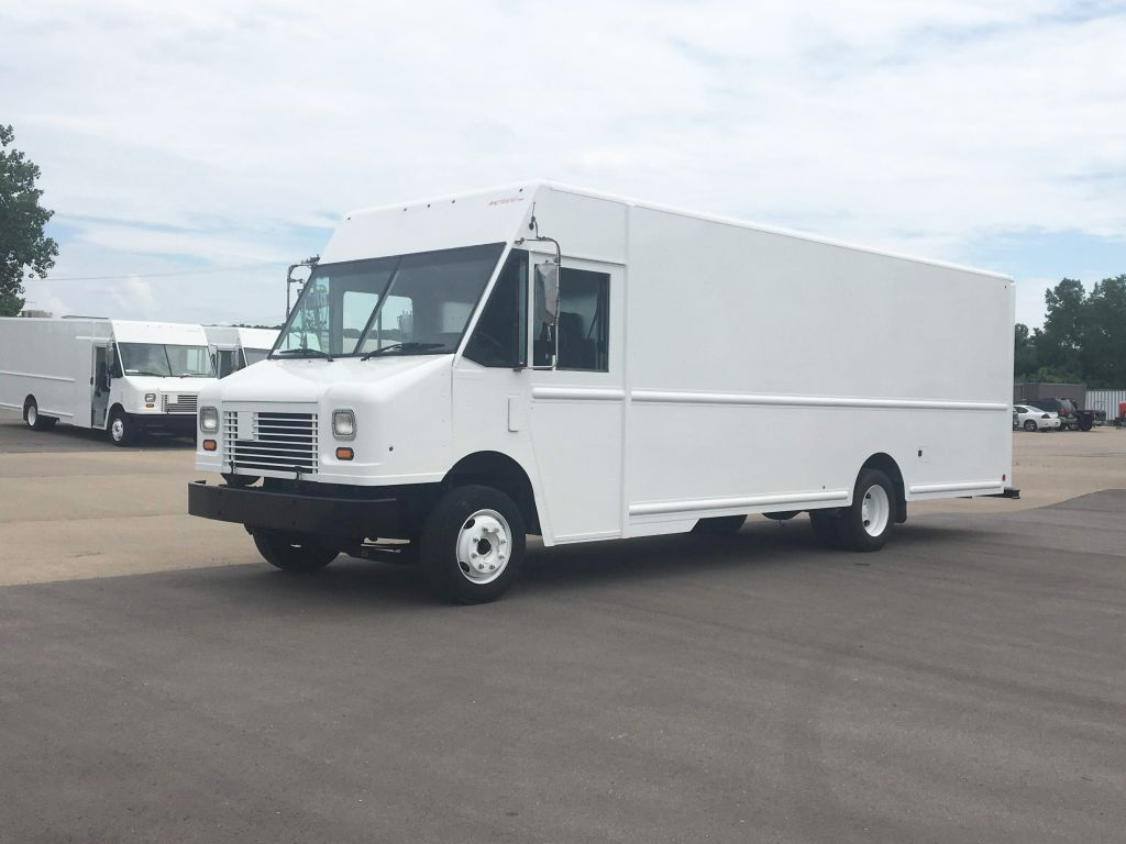 large image of 22-ft GMC 2009 Workhorse W62