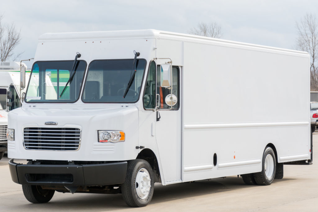 large image of 2012 Freightliner 22-ft Step Van P1200