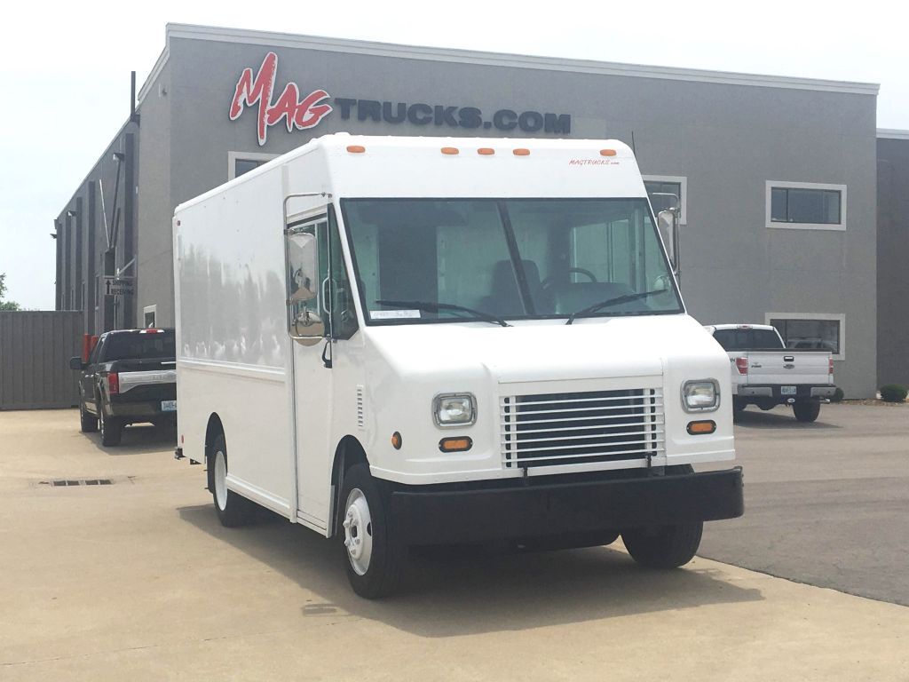 large image of 14-ft 2007 Freightliner Step Van P700 MT45